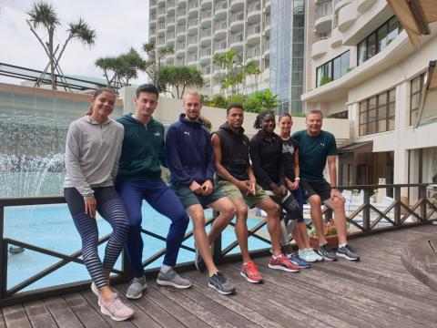 Die Wattenscheider Athleten zusammen mit Trainer Filipowski in Japan (Foto: TV01)