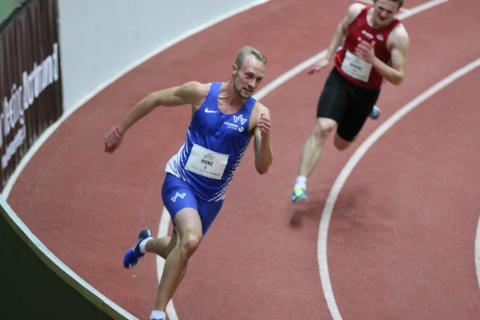 Maurice Huke siegt über 200 m (Foto: TV01)