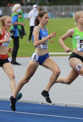 Marie Winse beim 1500 m-Vorlauf (Foto: TV01)