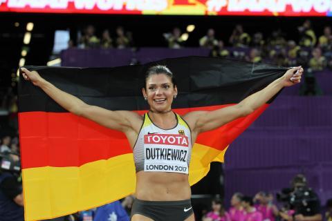 WM 2017: Pamela Dutkiewicz mit Deutschland-Fahne (Foto: Chai)